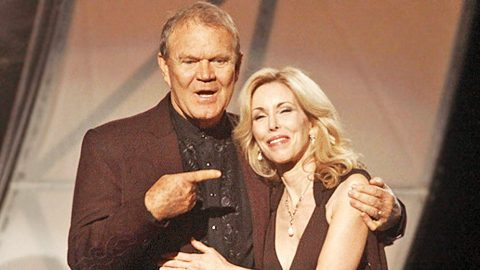 BREAKING: Heart-wrenching Update On Glen Campbell's Condition | Country Music Videos