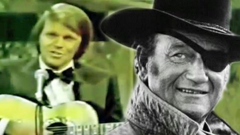 Glen Campbell Pays Tribute To John Wayne With Moving Performance Of 'True Grit' | Country Music Videos
