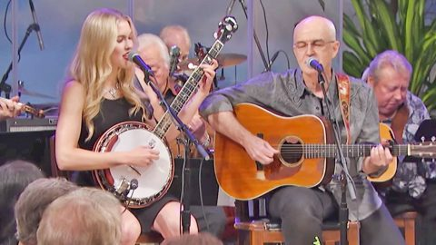 Glen Campbell's Daughter Duets 'Gentle On My Mind' With His Longtime Bandmate | Country Music Videos