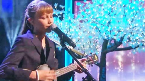 Grace VanderWaal Gives Chilling Makeover To 'Frosty The Snowman' | Country Music Videos