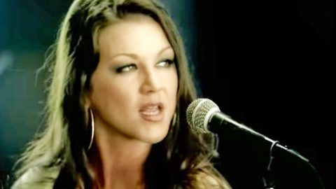 Gretchen Wilson Makes Surprising Confession About 'Redneck Woman' | Country Music Videos