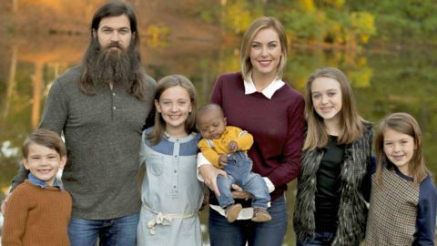 Jessica Robertson Stands Up For 'Baby Gus' After Photograph Dispute   Country Music Videos