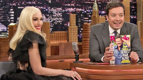 You Won't Guess The Hilarious Gift Gwen's Getting 'Big' Blake Shelton For Christmas | Country Music Videos