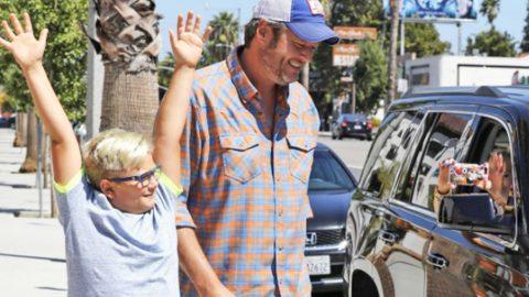 Gwen's Son Protects Blake Shelton From Paparazzi In Hilarious Video | Country Music Videos