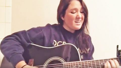 Garth Brooks' Daughter Honors Leonard Cohen With Haunting Rendition Of 'Hallelujah' | Country Music Videos