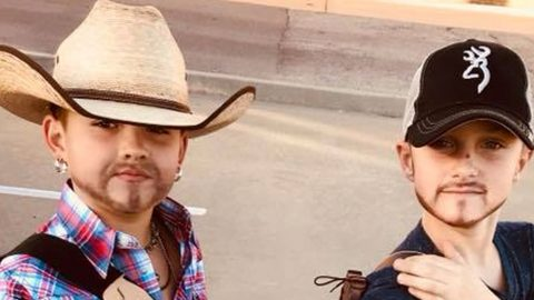 These Young Boys Look Identical To Jason Aldean And Luke Bryan In Their Halloween Costumes   Country Music Videos