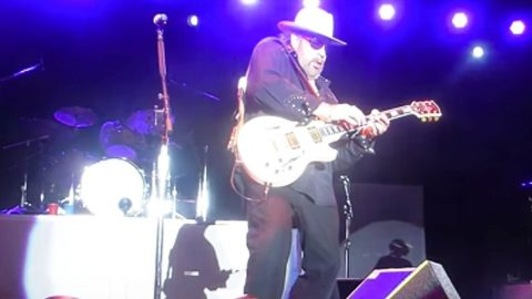 Hank Jr. Absolutely Shreds The Guitar In Face-Melting Medley | Country Music Videos