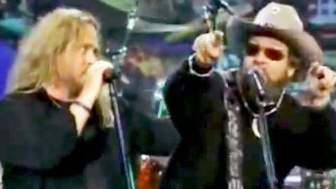 Remember When Hank Jr. & Lynyrd Skynyrd Jammed To 'Gimme Three Steps' On Late Night TV? | Country Music Videos