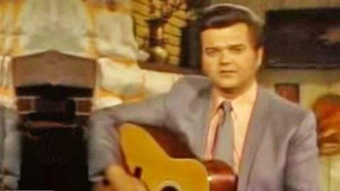 """Conway Twitty's Rare Televised Performance Of 'Hello Darlin"""" Will Take Your Breath Away   Country Music Videos"""