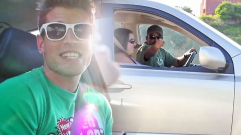 He Sings 'Build Me Up Buttercup' In The Car And What Happens Will Make You Smile | Country Music Videos