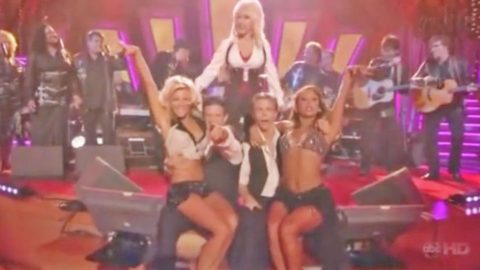 Dolly Parton Leads The Houghs & 'DWTS' Pros In Red Hot Dance To '9 To 5' | Country Music Videos