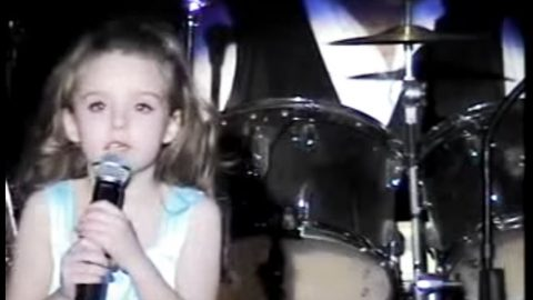 8-Year-Old Brings Crowd To Tears With Heavenly 'How Great Thou Art' Performance | Country Music Videos