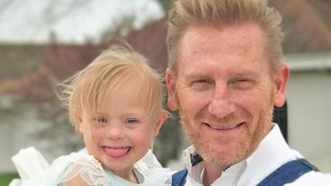 Rory Feek Shares Sweet Video Of Indy Doing A Fashion Show In Her PJs   Country Music Videos