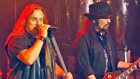 Lynyrd Skynyrd Member Undergoes Heart Surgery, Postpones Shows | Country Music Videos