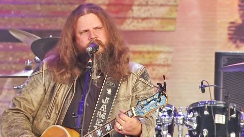 Jamey Johnson Leaves Crowd Mesmerized With Hank Williams Tribute | Country Music Videos