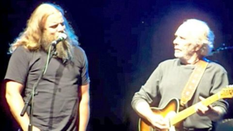Merle Haggard Invites Jamey Johnson To The Stage For Pure Country 'Long Black Veil' | Country Music Videos