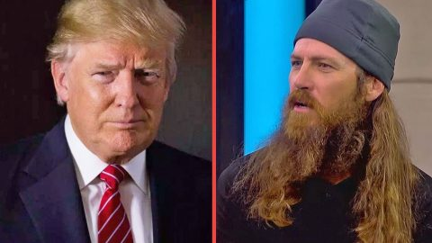 Jase Robertson Got Kicked Out Of The Trump Hotel?? You Won't Believe Why! | Country Music Videos
