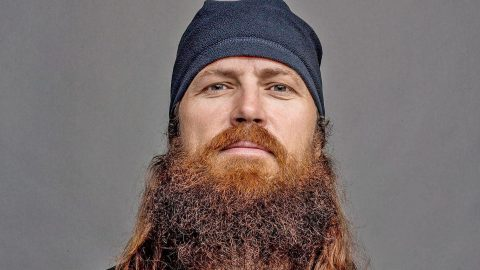 TWINNING! Jase Robertson Looks Eerily Similar To Something In This Picture | Country Music Videos