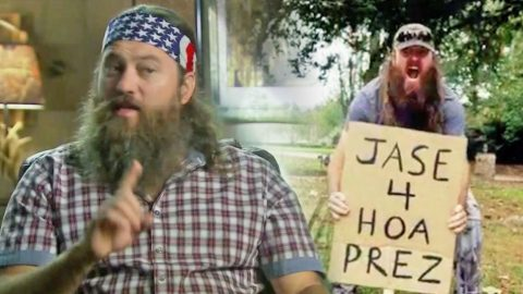 Willie And Jase Robertson Run Against Each Other For HOA President | Country Music Videos
