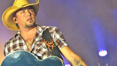 Jason Aldean 'Under Fire' For Comment About Female Country Singers | Country Music Videos