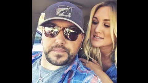 Jason Aldean's Wife Refuses To Let Him Kill Animal That's Been Terrorizing Neighborhood | Country Music Videos