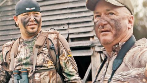 Jason Aldean & His Father Star In Heartwarming Commercial That Is Pure Country | Country Music Videos