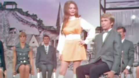Young Jeannie C. Riley Puts Fear In The Eyes Of The 'Harper Valley PTA'   Country Music Videos