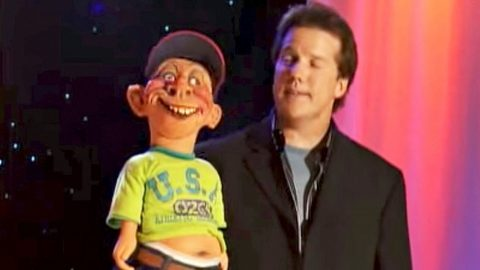 Jeff Dunham's Redneck Puppet Defends NASCAR In Hysterical Rant | Country Music Videos