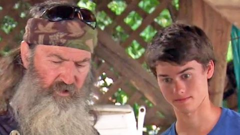 Phil Robertson Sends Grandson Shocking Message Before Fox & Friends Appearance | Country Music Videos