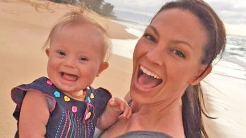 Joey Feek's Relationship With Her Baby Girl Will Make Y'all Feel Warm And Fuzzy | Country Music Videos