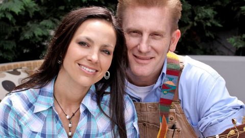Joey+Rory Receive Unforgettable Christmas Surprise   Country Music Videos