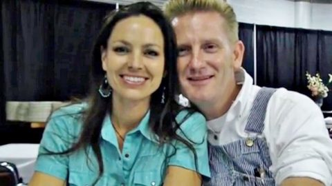Joey + Rory Can't Take Eyes Off Each Other In Intimate Interview | Country Music Videos