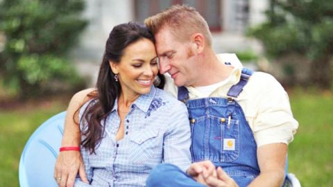 CAN'T MISS: Classic Country Stars To Honor Joey Feek Thanksgiving Day | Country Music Videos
