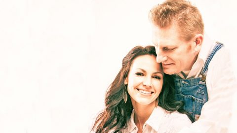 Joey + Rory Still Find Strength In The Face Of Tragedy | Country Music Videos