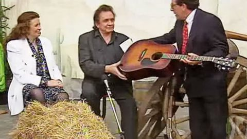 Johnny & June Interview Unexpectedly Becomes Impromptu Performance Of Iconic Hit 'Jackson' | Country Music Videos