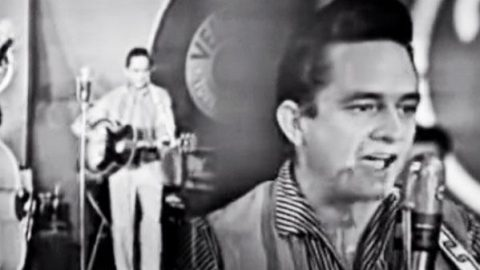 Johnny Cash – I Walk The Line (1958) | Country Music Videos