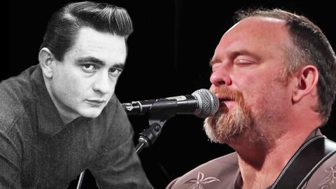 Johnny Cash's Son Sounds So Much Like His Father In Haunting Rendition Of 'Hurt' | Country Music Videos