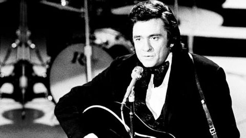 Prepare To Die Laughing From Johnny Cash's Hysterical Performance Of 'A Boy Named Sue'   Country Music Videos