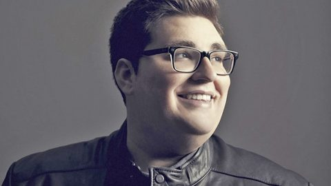'Voice' Champion Jordan Smith Stays True To His Faith In Debut Single | Country Music Videos