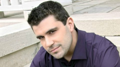 Josh Gracin Bounces Back After Devastating Year | Country Music Videos