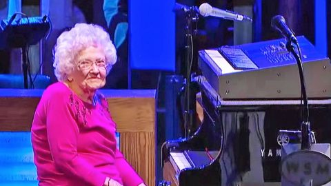 Josh Turner's 98-Year-Old Grandma Leaves The Opry In Awe With 'How Great Thou Art' | Country Music Videos