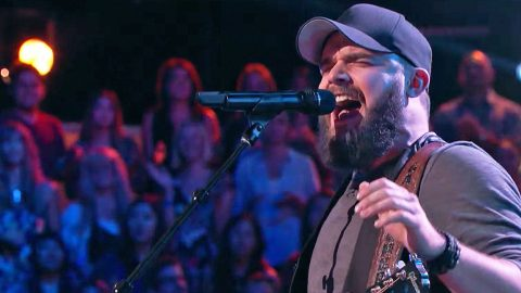 Breathtaking 'My Maria' Performance Leaves One 'Voice' Coach Eager For A Steal | Country Music Videos