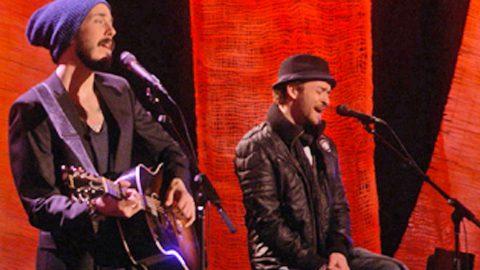 Justin Timberlake & Matt Morris Stun With Heart-Wrenching 'Hallelujah' Duet | Country Music Videos