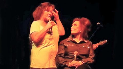 Conway Twitty's Daughter Fights Back Tears While Telling Loretta Lynn How Much He 'Loved' Her | Country Music Videos