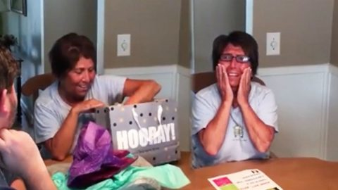 Hard-Working Mom Is Surprised With VIP Keith Urban Tickets.. Her Reaction? IN TEARS! | Country Music Videos