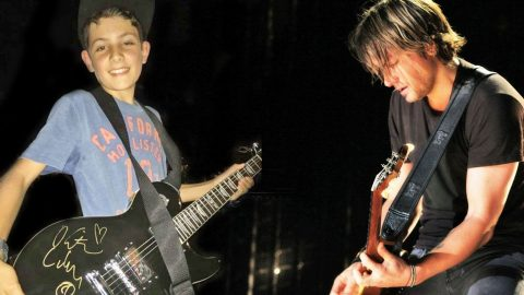 Keith Urban Gives Young Boy Guitar After Spotting His Sign In The Audience | Country Music Videos