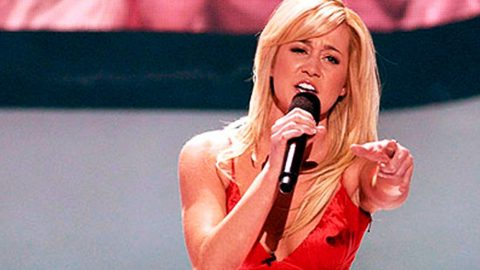 Kellie Pickler Thrills The Crowd With Sassy Performance Of 'Fancy' | Country Music Videos