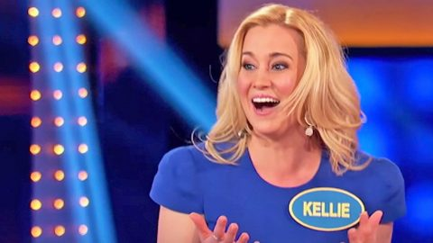 Kellie Pickler Makes Big Mistake On Celebrity Family Feud | Country Music Videos