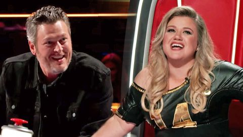 Kelly Clarkson Shows Blake Shelton Who's Boss In Comical Clip From 'The Voice' | Country Music Videos