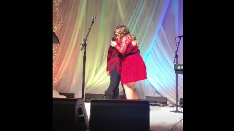 Kelly Clarkson Brought To Tears By On Stage Proposal | Country Music Videos